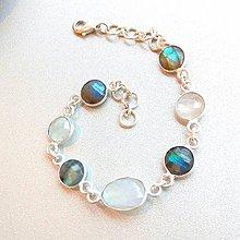 Náramky - Labradorite & Moonstone Silver Plated Bracelet / Postriebrený náramok s labradoritom a mesačným kameňom - 8762489_
