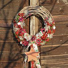 Dekorácie - Vianočný veniec na dvere s hviezdou - 8765770_