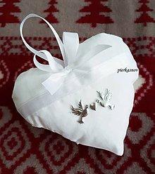 Úžitkový textil - levanduľové srdiečko zlaté holubičky (Strieborná) - 8767463_
