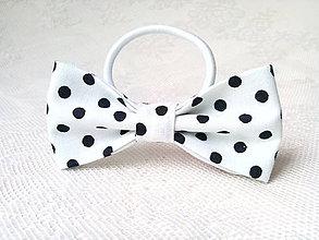 Ozdoby do vlasov - Mini Pin Up hair bow (white/black polka dots) - 8771183_