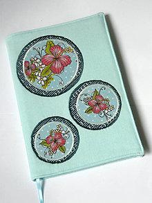 Papiernictvo - Zápisník - obal - kvety a mentol - 8771346_