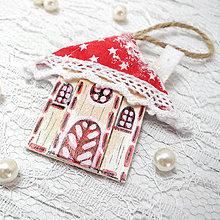 Dekorácie - Autorská Vianočná chalúpka (Vianoce s Červenou Čiapočkou... (červená)) - 8768619_