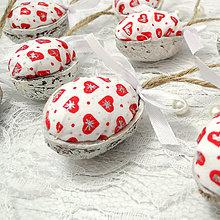 Dekorácie - Vianočný oriešok - Sada 8 ks (Zamilované Vianoce (bielo-červená)) - 8768813_