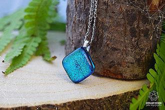 Náhrdelníky - Tyrkysový trblietavý sklenený náhrdelník \