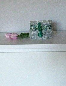 Dekorácie - Košík so zeleným pásikom - 8774184_