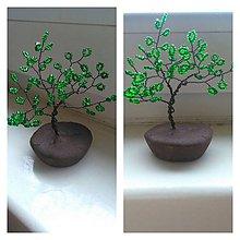 Dekorácie - Zeleno-biely malý stromče šťastia - 8772890_