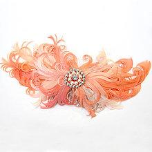 Ozdoby do vlasov - Fascinátor z peria - broskyňovo/ružový - 8772310_