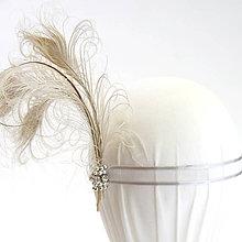 Ozdoby do vlasov - Fascinátor z odfarbeného pávieho peria - 8774087_