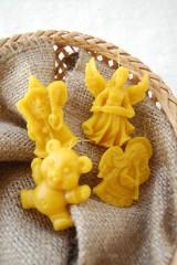 Dekorácie - Vianočná ozdoba z včelieho vosku - 8776434_