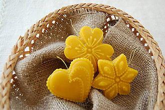Dekorácie - Vianočná ozdoba z včelieho vosku  - medovník - 8776415_