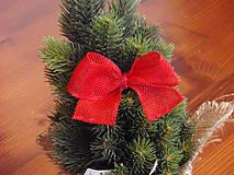 - Červené jutové mašle so štipcom na stromček - 8774162_