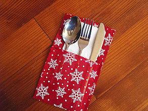 Úžitkový textil - Vianočný obal na príbor - červený s vločkami - 8774024_