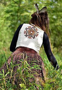 Iné oblečenie - Ručne vyšívaná konopná vesta •Slamienka• - 8773090_