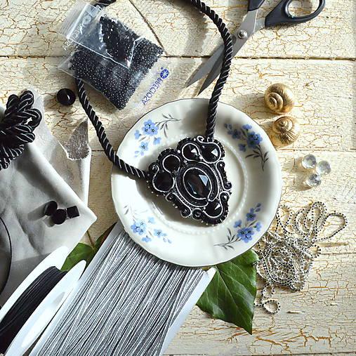 Black Silver - sutaškový náhrdelník