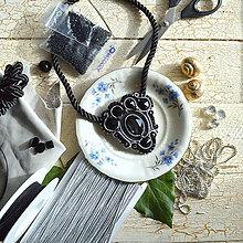 Náhrdelníky - Black Silver - sutaškový náhrdelník - 8781088_