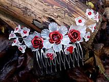hrebienok - červené ružičky