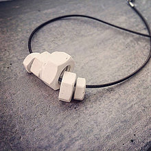 Náhrdelníky - Betónový náhrdelník 5Nut White (matka) - 8778016_