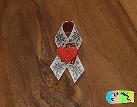Pierka - Svadobné pierko Zimné s dreveným červeným srdiečkom - 8785128_