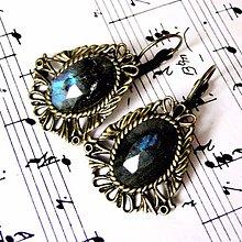 Náušnice - Vintage Filigree Blue Labradorite Earrings / Náušnice s modrým fazetovaným labradoritom v bronzovom prevedení - 8783565_