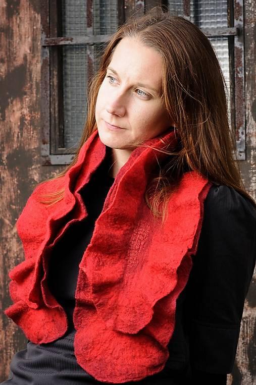Červený vlnený šál, dvojvrstvový, merino vlna, plstený