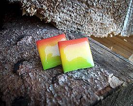Náušnice - Štvorce 20 mm dúhové (červeno-žlto-zelené) - 8782611_