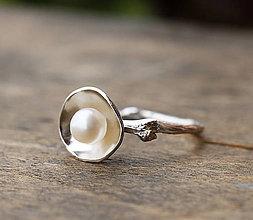 Prstene - Vetvičkový prsteň strieborný s krémovou perlou - 8785937_