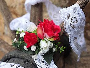 Náramky - červené růže na krajce - 8786252_