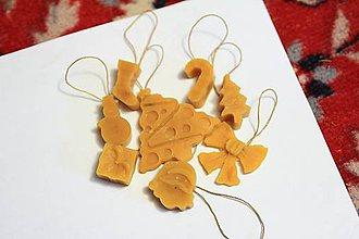 Dekorácie - Vianočné ozdoby na stromček z pravého včelieho vosku - 8786435_
