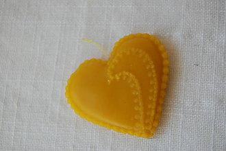 Darčeky pre svadobčanov - Srdiečka z včelieho vosku pre svadobčanov - 8787727_