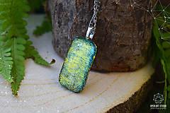 Náhrdelníky - Zlato-zelený veľký, trblietavý náhrdelník - 8786669_