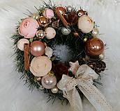 Dekorácie - Vianočný veniec medeno-ružový - 8791788_