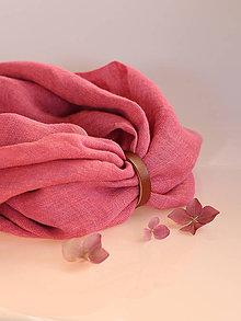 Šály - Elegantný malinovoružový ľanový nákrčník (s koženým remienkom) - 8790151_