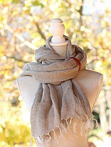 Doplnky - Prírodný ľanový hrejivý šál/šatka s koženým remienkom - 8790859_