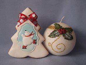 Dekorácie - vianočný stromček s mackom - 8795255_