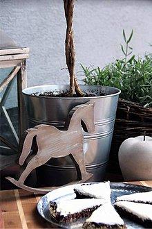 Dekorácie - Drevený hojdací koník. (Biela) - 8798949_