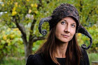 Čiapky - Vikingská vlnená čiapka, huňatá, plstená - 8795214_
