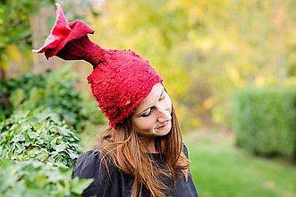 Čiapky - Plstená čiapka s ružovým púčikom kveta - 8795416_