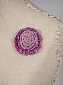Odznaky/Brošne - Ružová plstená brošňa z Merino vlny a hodvábu - 8795671_