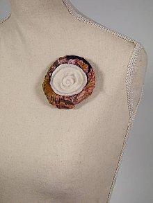 Odznaky/Brošne - Vlnená brošňa z Merino vlny a hodvábu, biela - 8795690_