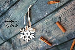 Dekorácie - vianočná vločka s mašlou - 8796655_