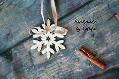Dekorácie - vianočná vločka s mašlou - 8796657_