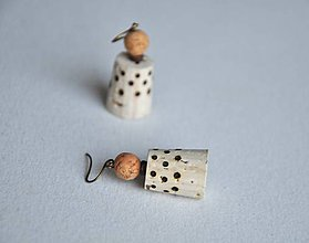 Náušnice - korkové s bodkami - 8797774_