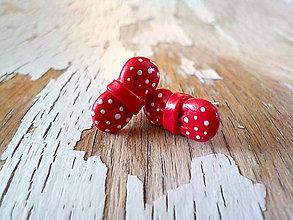 Náušnice - červené mašličky s bielymi bodkami - 8798473_