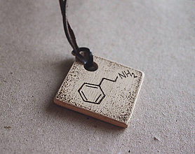 Náhrdelníky - ♥ Chémia lásky - prívesok zo série ''Zašifrovaná láska'' - 8800628_