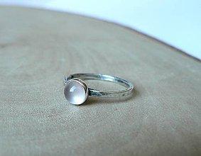 Prstene - Strieborný Prsteň s Ruženínom - 8800808_