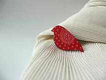 Odznaky/Brošne - ,,Pipi,,červený ornament - 8804899_