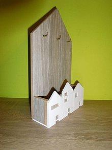 Nábytok - domčekový vešiak na kľúče - 8800306_