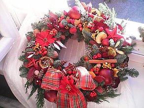 Dekorácie - Vianočný veniec na dvere prírodný... červený - 8803447_