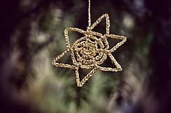 Dekorácie - Háčkované vianočné hviezdičky - 8804853_
