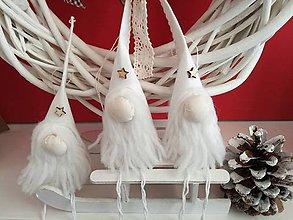 Dekorácie - Traja vianočný škriatkovia na stromček. - 8803971_